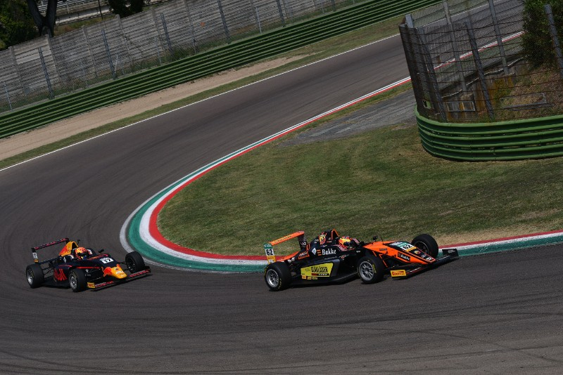 Hauger moves into Italian F4 lead with Imola win after